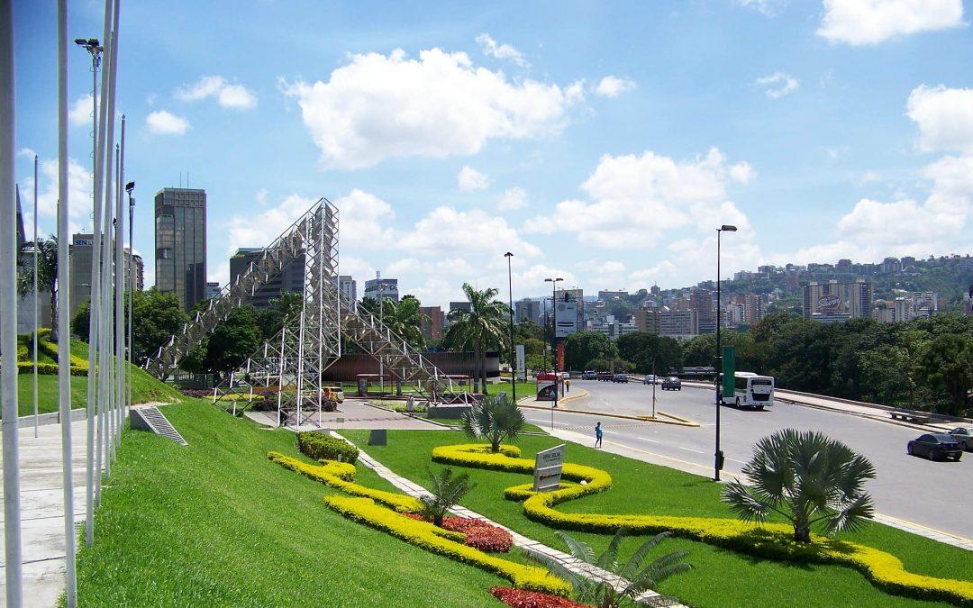 Demand study for the 2nd Caracas-La Guaira Highway begins (October 2006)